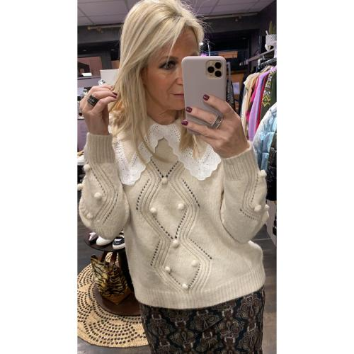 PULL CLAUDINE BEIGE LARGE COL BRODERIE